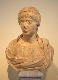 Annia Galería Faustina  o  Faustina Menor, esposa de Marco Aurelio - 125  o 130 - 175 d.C. (3)