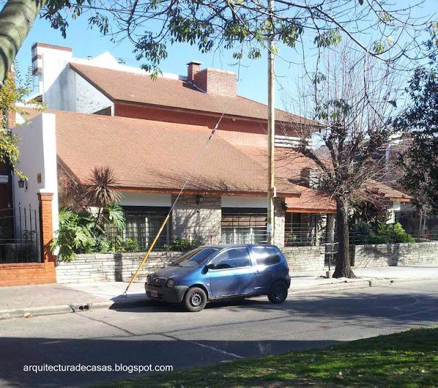 Sector de un chalet contemporáneo tipo californiano en Buenos Aires