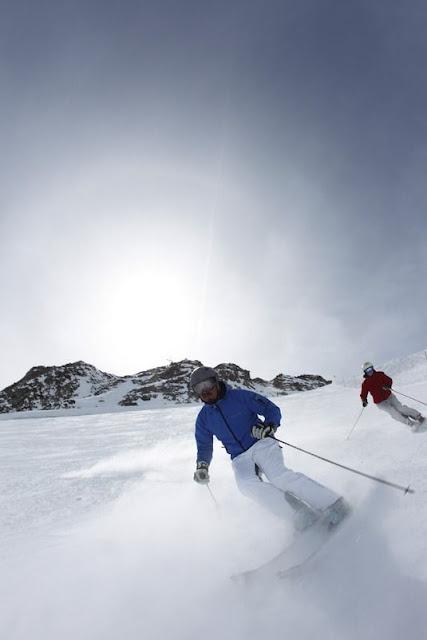 Skifahren am Schnalstaler Gletscher...