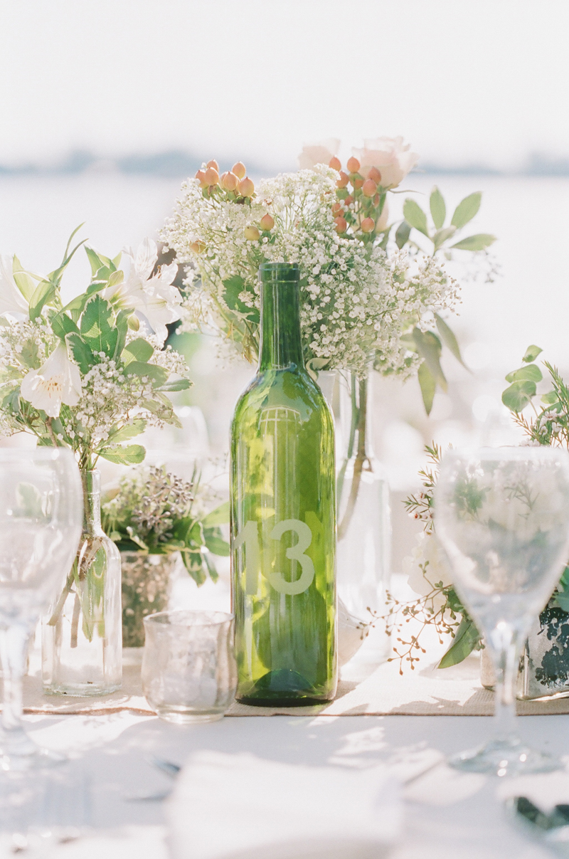 30 diy ideas to recycle your old wine bottles do it for Reuse wine bottles ideas