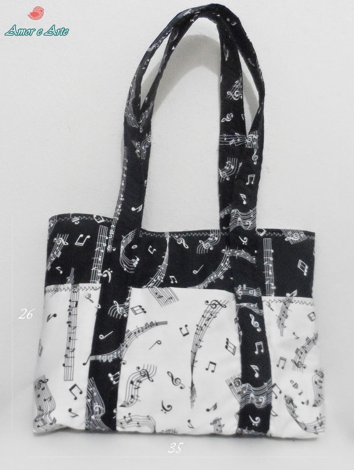 Bolsa de Tecido, em preto e branco com motivos musicais