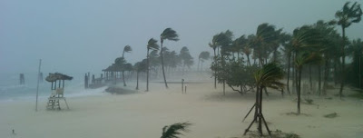 >Hurricane Irene Batters Bahamas, US Eastern Seaboard Next Up!
