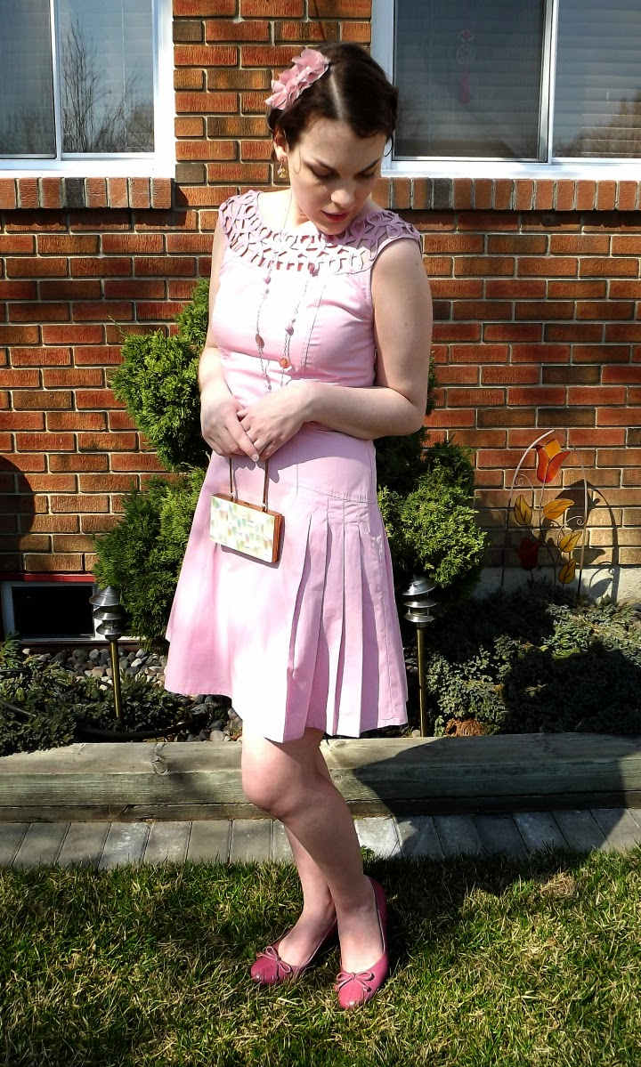 eshakti review, eshakti dress, anastasia pink dress, vintage style pink dress, floral headband, modcloth style dress, fit and flare dress, customizable fashion, Windsor Ontario blogger, Suzanne Amlin, A Coin For the Well