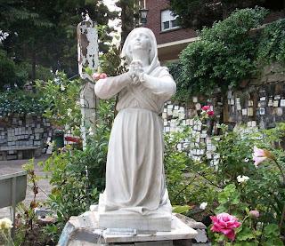 Grotte de Bernadette Soubirous à Lourdes