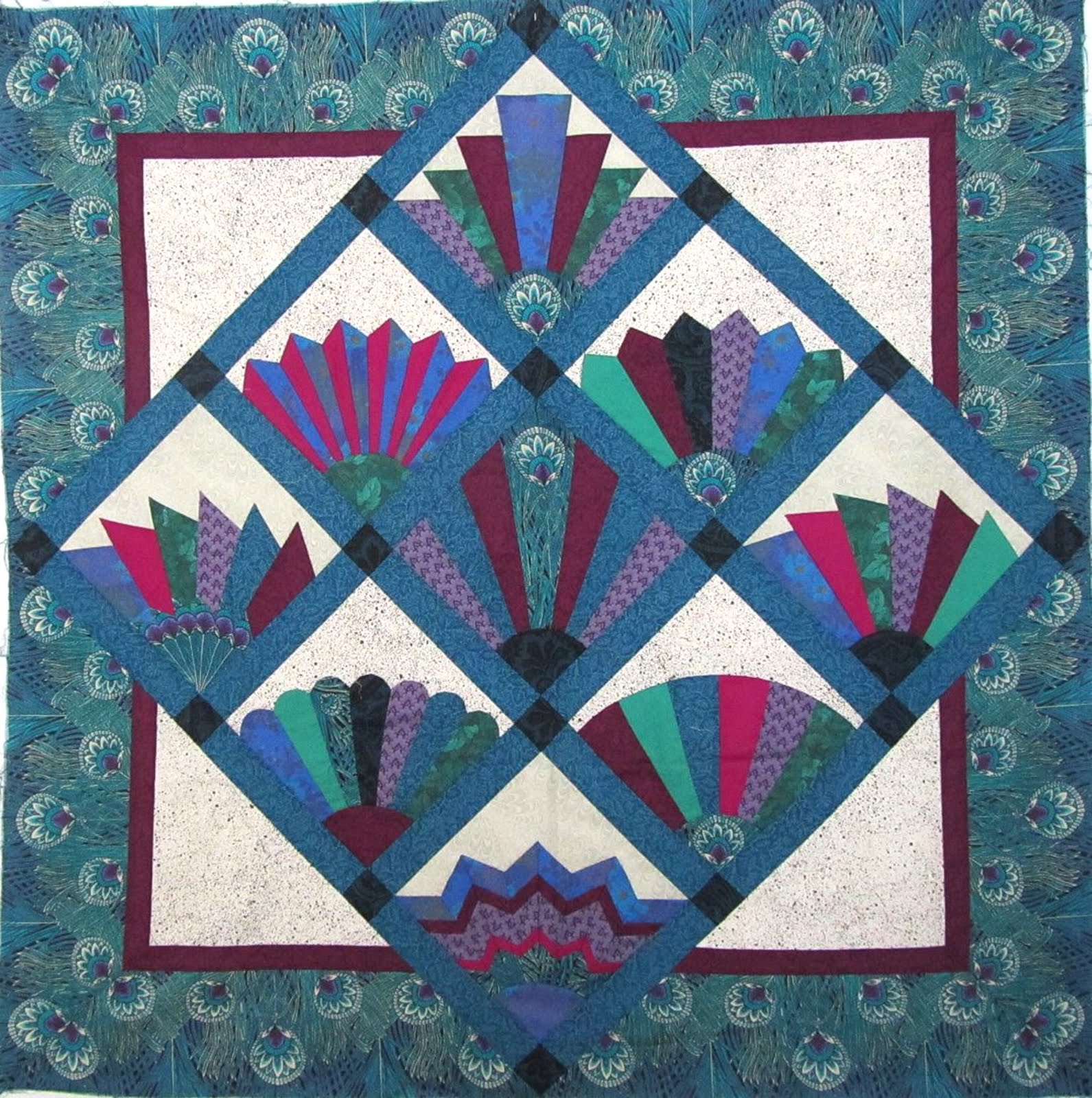 Quilts Color Fan Quilt With Peacock Fabric