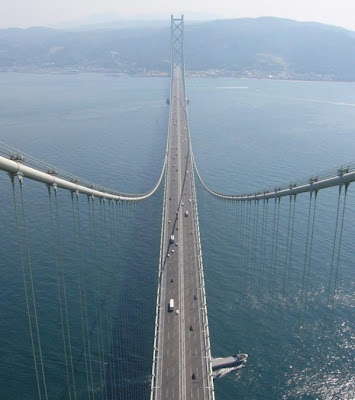 The longest bridge in the world may be crumbling any time? : China