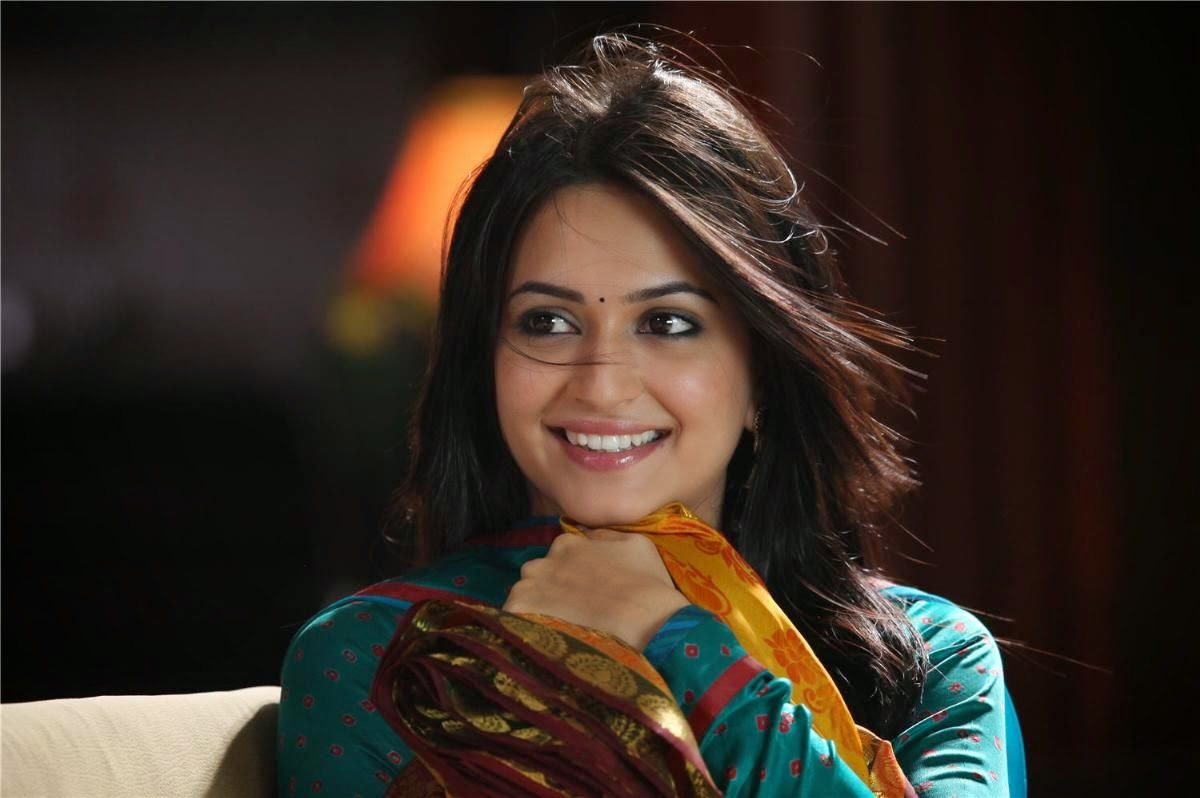 Kriti Kharbanda WallPapers Gallery