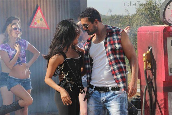 I,Me Aur Main (2013) Bollywood Movie