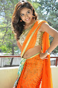 Vithika sheru latest glamorous photos-thumbnail-17