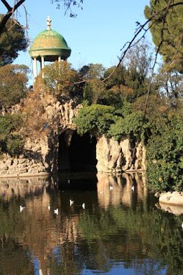 Templete y gruta en el Parque de Torreblanca