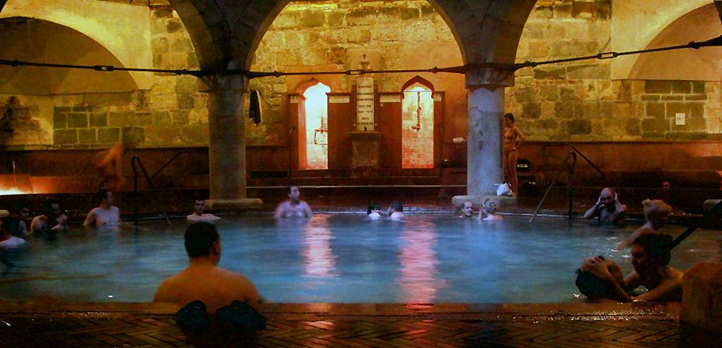 Baños Romanos Budapest:El Balneario de Gellert : Otras preciosas instalaciones construidas en