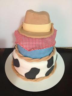 bolo decorado fazendinha cowboy