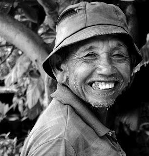 Kekuatan Sebuah Senyuman(Smile You Don't Cry)