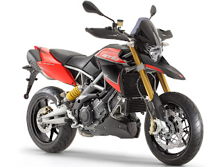 2012 Aprilia Dorosoduro 1200 Motorcycle Photos 3
