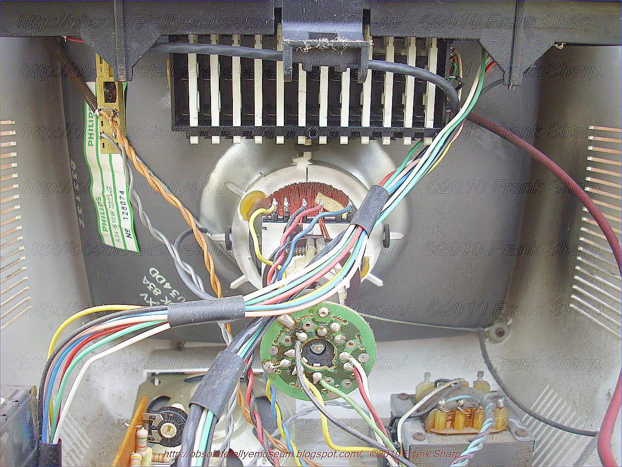 Obsolete Technology Tellye !: MAGNAVOX MOD.TV12 CHASSIS TV2 CRT TUBE ...