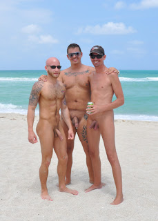 barefoot men: Hotties at the beach