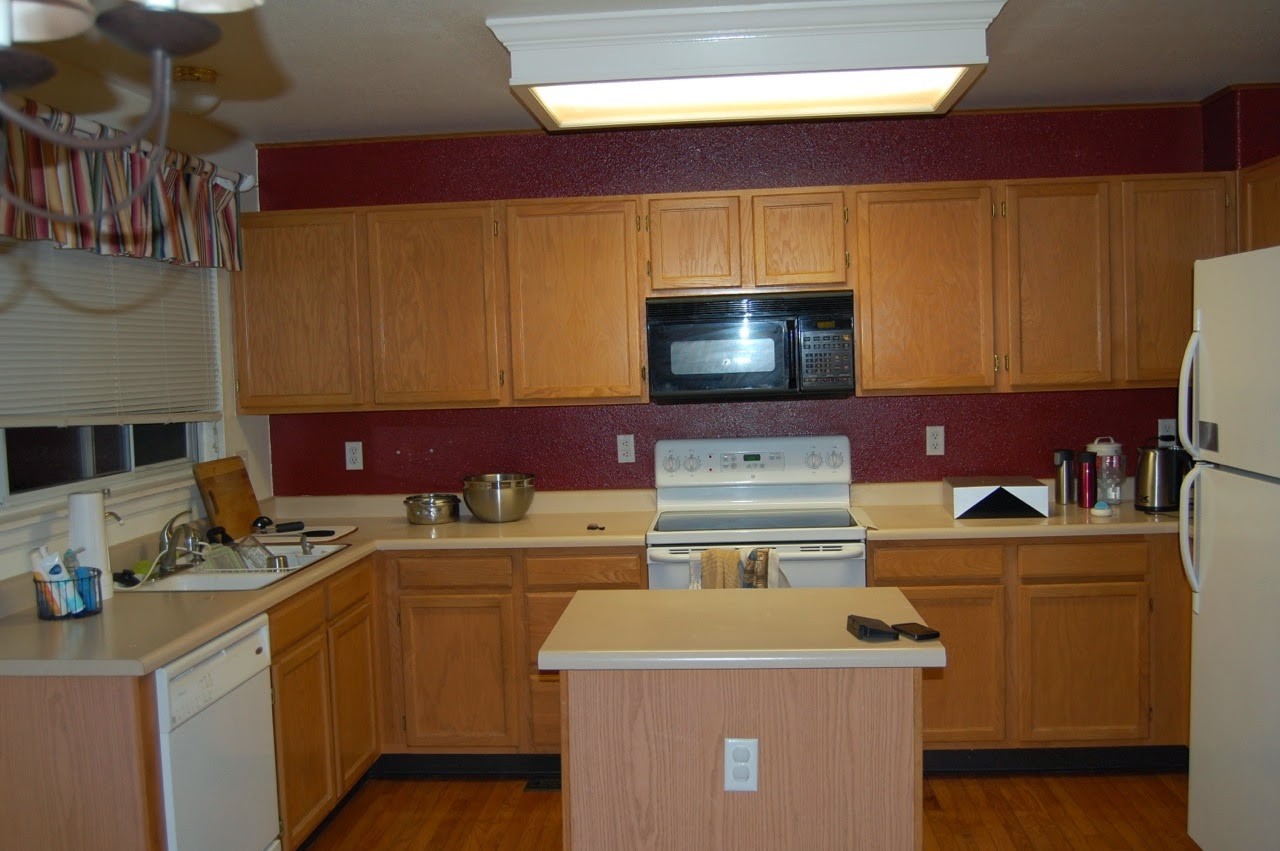 simple color scheme that works whichever color scheme for the kitchen