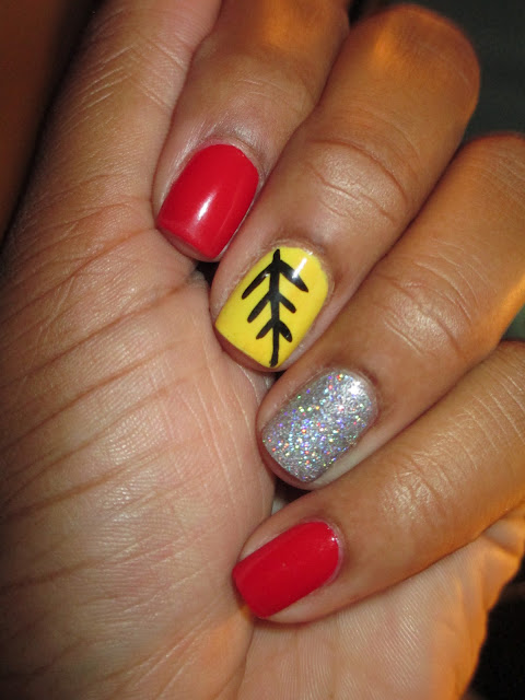 Julep Delaunay, yellow, holo, holographic, glitter, arrow, feather, leaf, nail art, nail design, mani