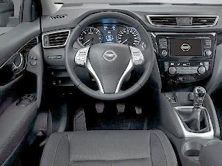 2014-Nissan-Qashqai-Photo-Picture-image-interior