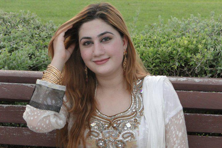 Urooj Mohmand Pictures,Hot and Sexy Pashto Music Singer Urooj Unseen