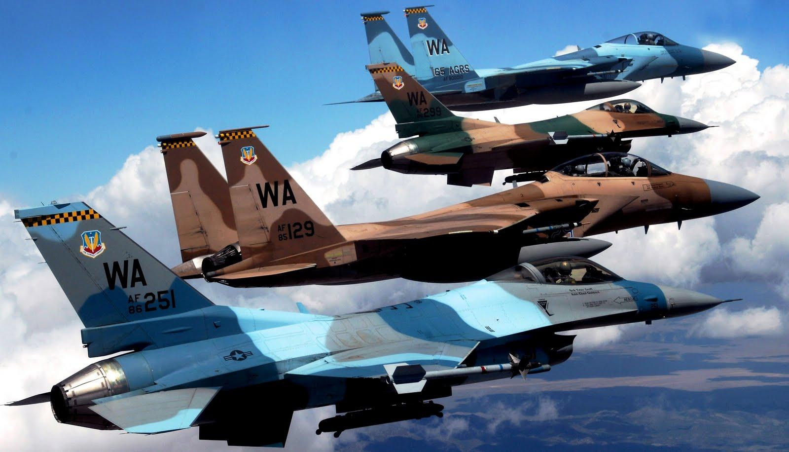 http://1.bp.blogspot.com/-H45gGxBNJjA/ThlAqmQS2gI/AAAAAAAAF28/jyYGhKfFij4/s1600/f16c_block_32_usaf_lined_up_87312_aircraft-wallpaper.jpg