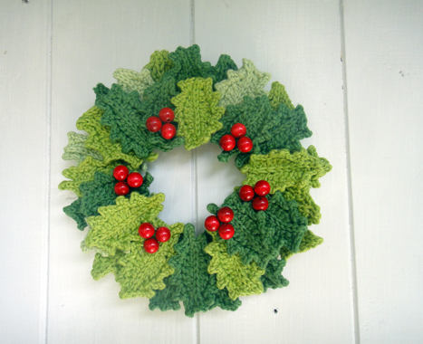 FREE KNITTING PATTERN HOLLY LEAF - VERY SIMPLE FREE KNITTING PATTERNS