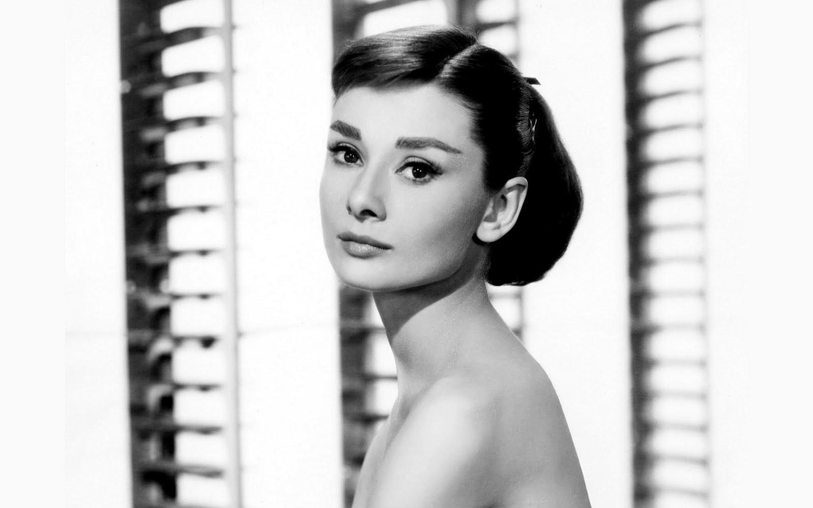 http://1.bp.blogspot.com/-H4KWsxYYapE/Tb-juKcR11I/AAAAAAAABRE/qjRktJu6v_0/s1600/Audrey-Hepburn-was-fucking-gorgeous.jpg