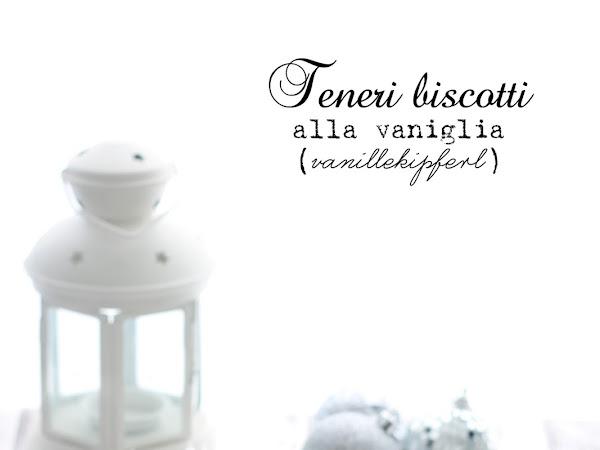 Teneri biscotti alla vaniglia o Vanillekipferl in 2 varianti