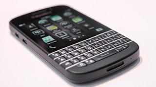 El BlackBerry Q10 parece ser el dispositivo que la mayoría de los usuarios de BlackBerry han estado esperando, de acuerdo a los controles con las principales compañías del Reino Unido. Según EA, T-Mobile, Orange, Vodafone y O2, los pre-pedidos para el BlackBerry Q10 han superado enormemente las de la BlackBerry Z10 antes de su lanzamiento. Nosotros no estamos en condiciones de publicar números, pero podemos informar que las empresas británicas han pre-ordenado el BlackBerry Q10 en grandes pedidos. La gran mayoría de estos pre-pedidos provienen de empresas con dispositivos heredados existentes que han esperado pacientemente en el BlackBerry Q10. El