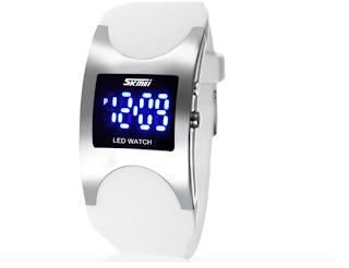 Relógio de Led Unissex.Resistente à água com pulseira de silicone. Relógio branco com led azul