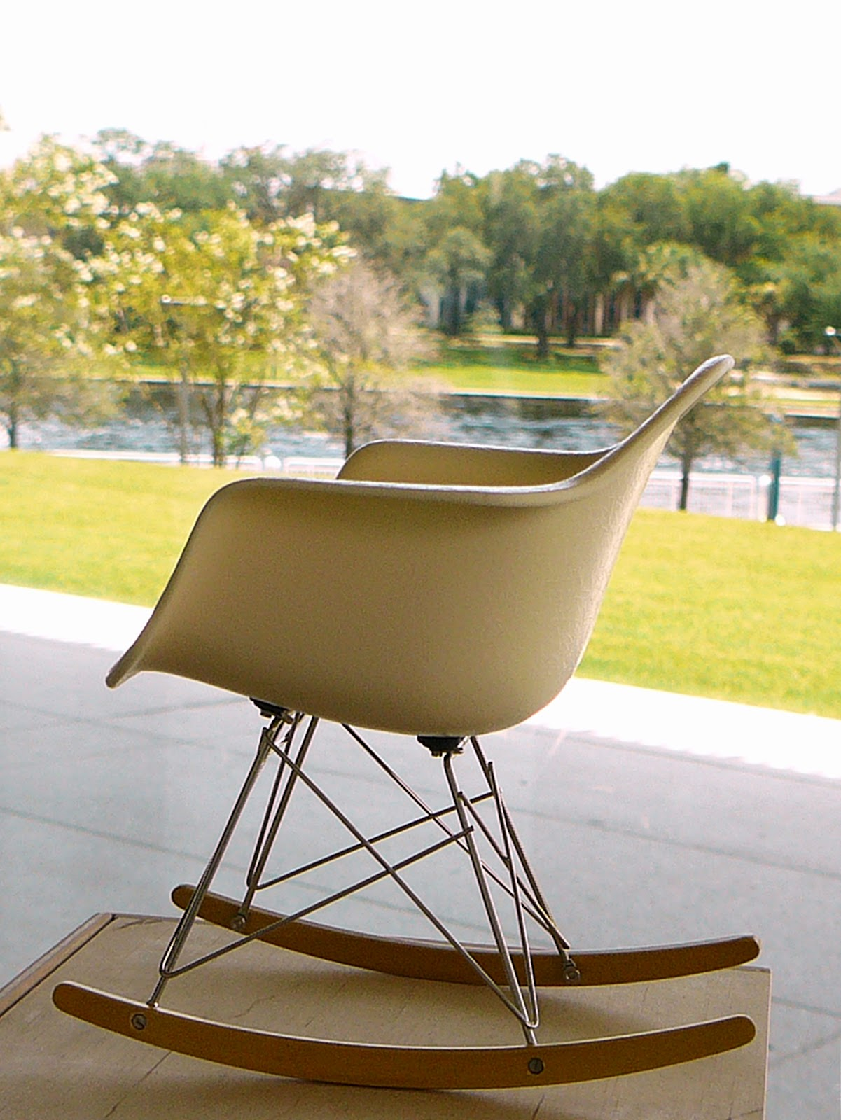 eames rocking chair for tiny rear ends