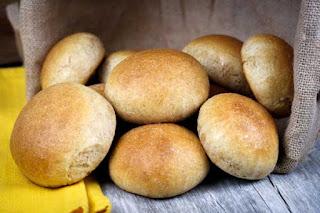 wheat-dinner-rolls