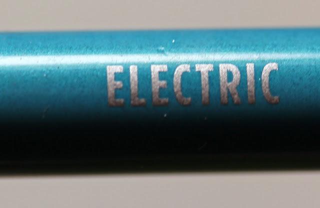 Urban Decay 24/7 Glide-On Eye Pencil in Electric