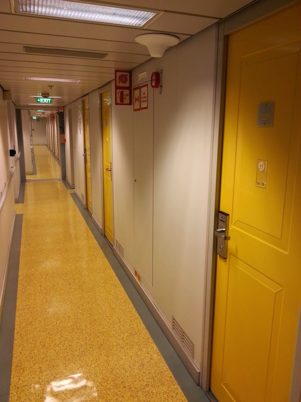 Hurtigruten MS Nordkapp - Hallway