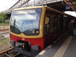 S-Bahn: NACHNUTZUNG DER SIEMENSBAHN IN BERLIN Die City-West hat Pläne für Siemensstadt, aus Berliner Zeitung