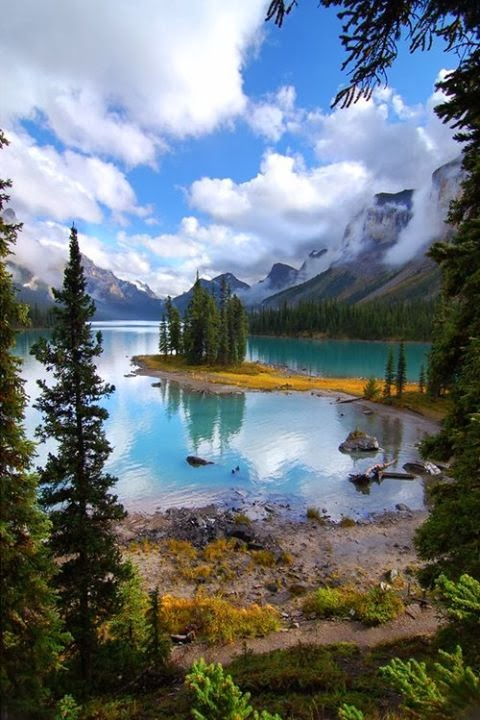 Maligne Lake, Jasper National Park Canada
