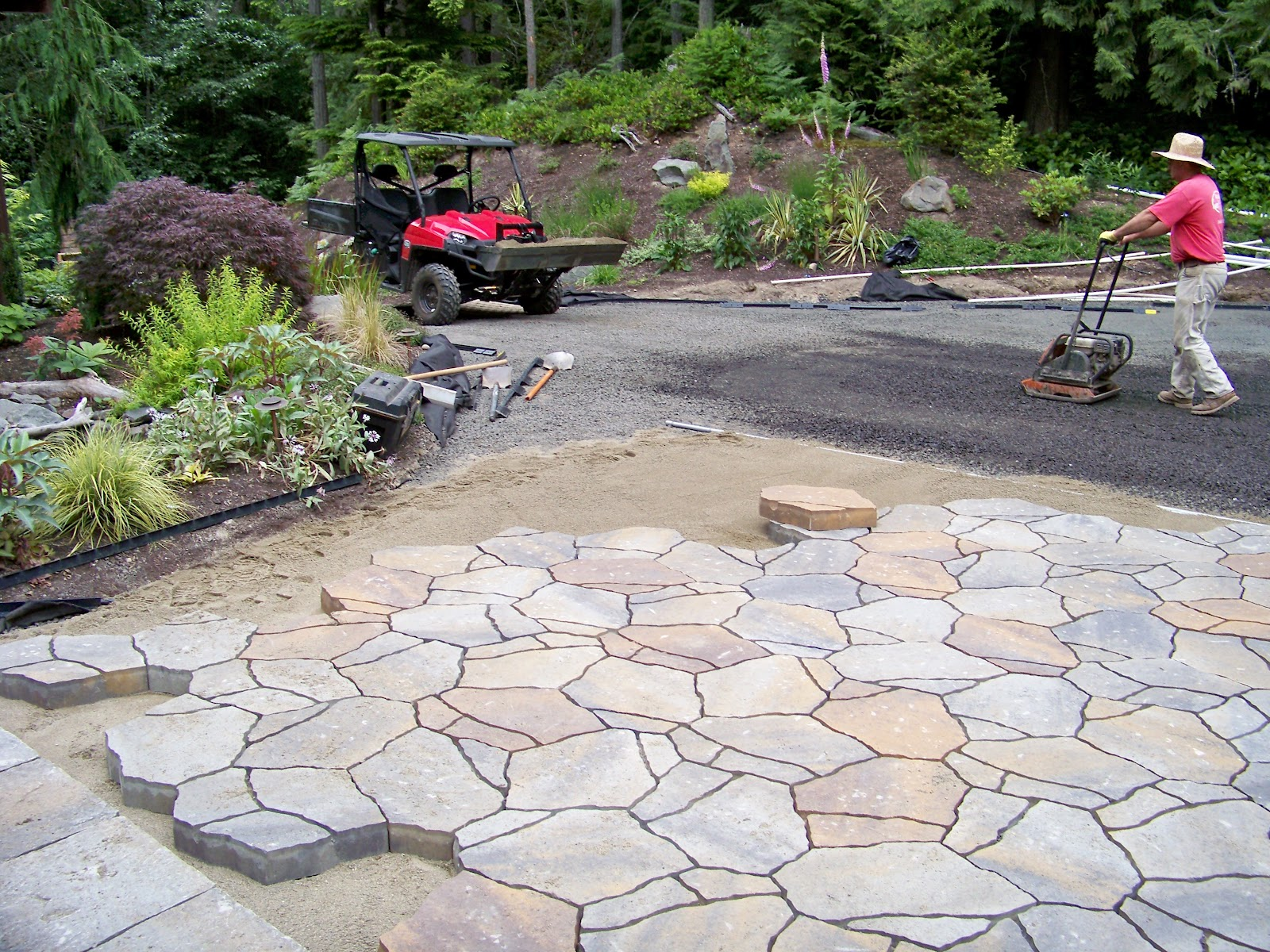 Inexpensive Landscaping Bricks : Cheap patio pavers design ideas