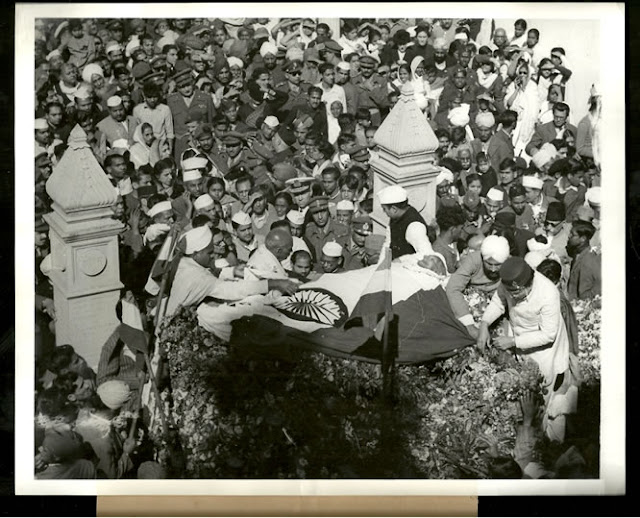 Funeral+Procession+of+Mahatma+Gandhi+-+New+Delhi+February+6+1948