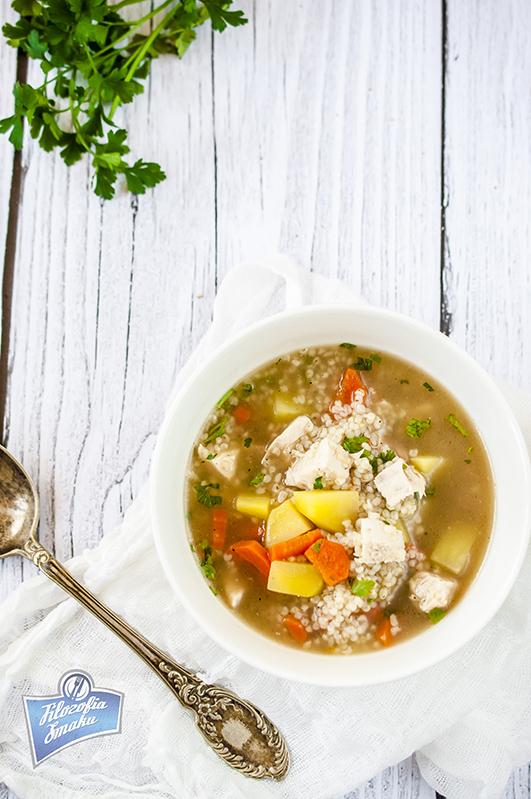 Zupa z kaszą i kurczakiem przepis