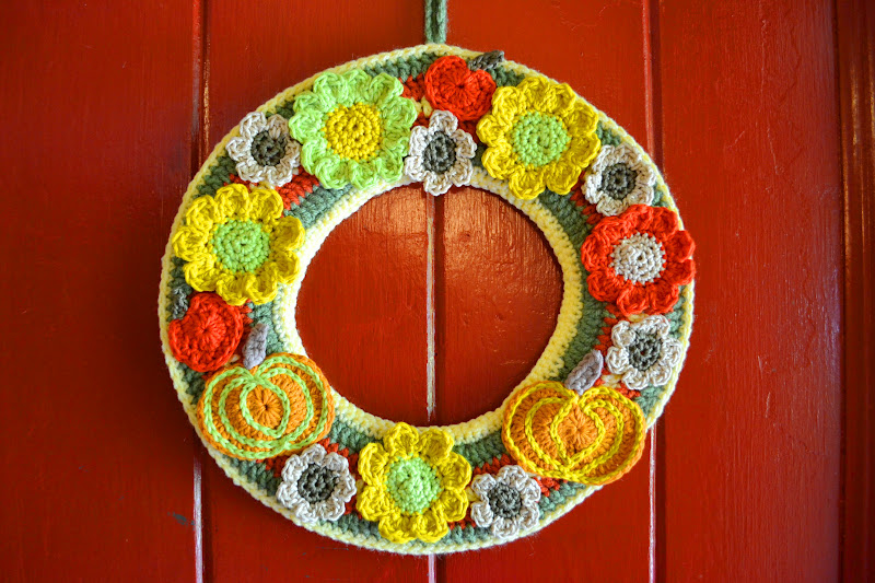 Crocheted wreath in autumn colors and designs