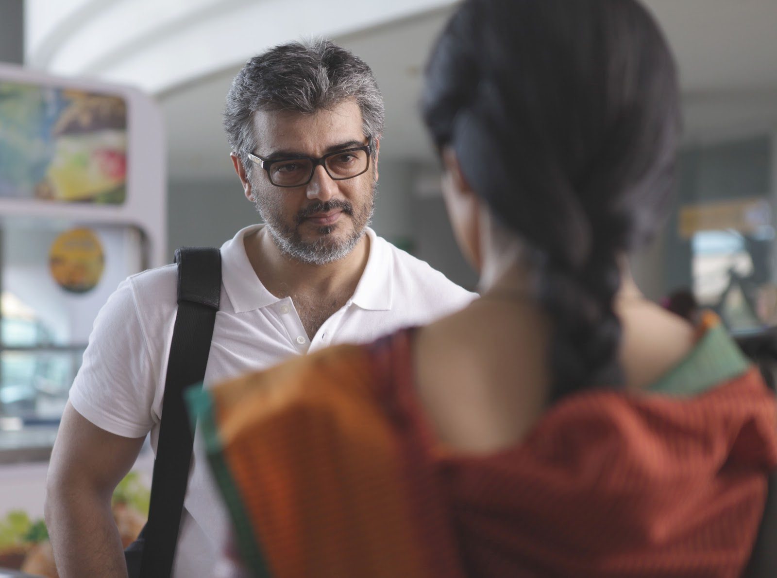 http://1.bp.blogspot.com/-H5k2HpEKLcw/UDjCUHzyzoI/AAAAAAAAFCE/CEqdMU8pzuo/s1600/Thala-Ajith-In-English-Vinglish-Movie-Stills-8.JPG
