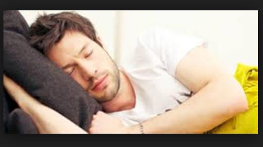 """أنظر تأثير النوم على البطن فى جسم الانسان وخاصة البنات """" مفاجأة مذهلة """""""