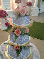 3 TIERS STEAMBUTTERCREAM CAKE