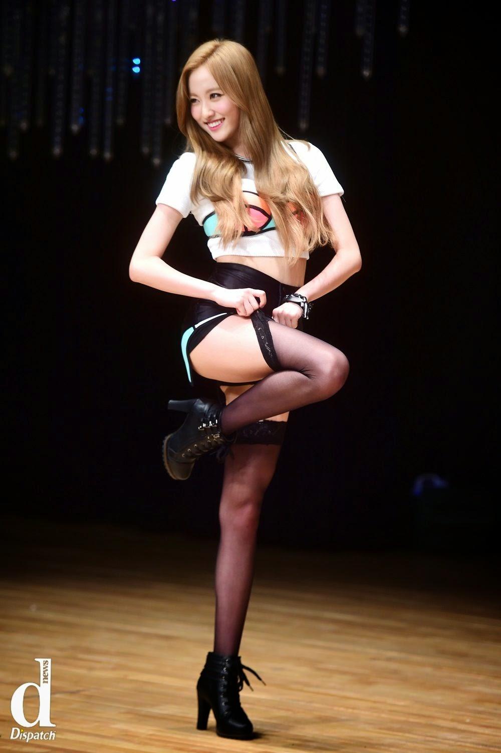 Bestie Haeryung Excuse Me Live