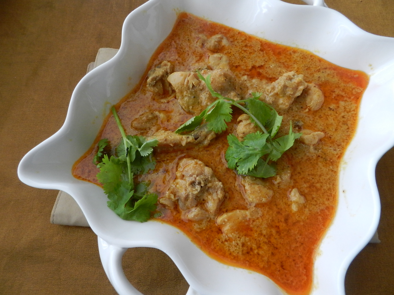 Raajis kitchen: Coconut milk Chicken curry