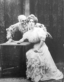 creepy scary weird wtf vintage photo image skeleton couple