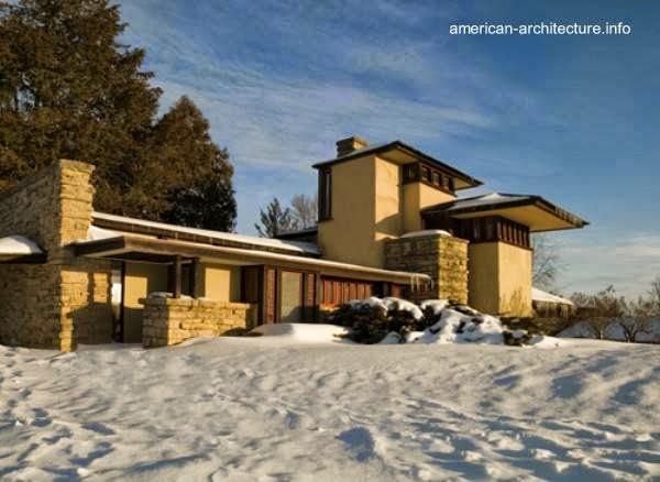 Residencia Taliesin cerca de Spring Green con nieve