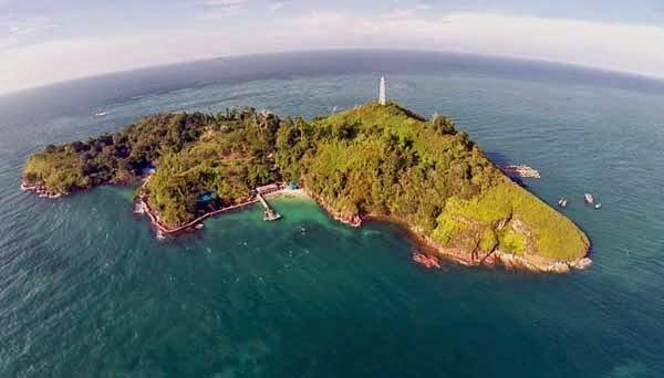 Menjelajahi Keindahan Pulau Salah Namo
