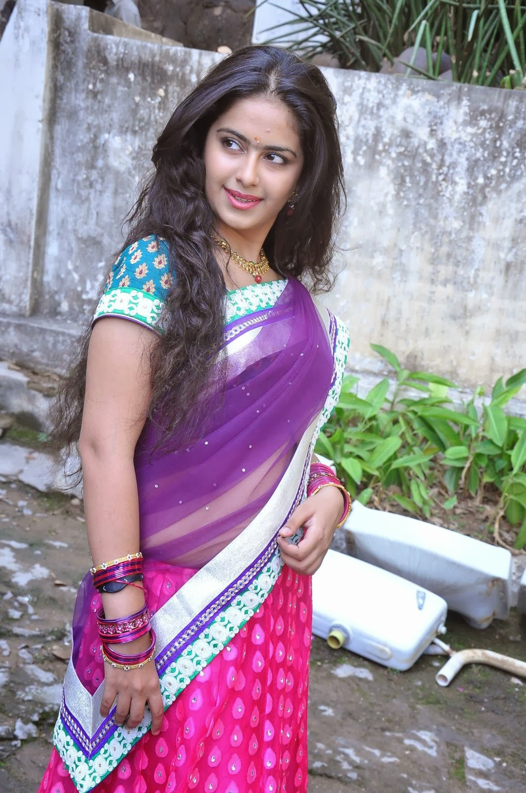 Actress Avika Gor Hot Images ~ Sexy Pictures of South ...