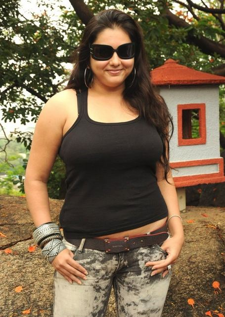 namitha+hot+in+jeans
